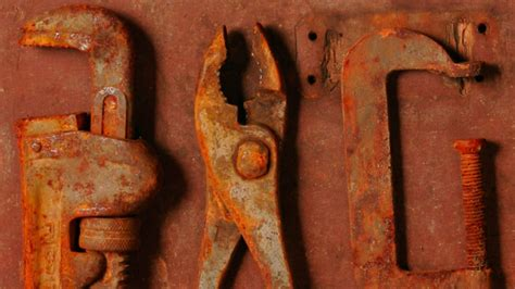 How To Clean Rust Off Old Metal Tools