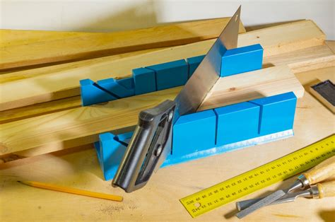 How To Cut 45 Degree Miter