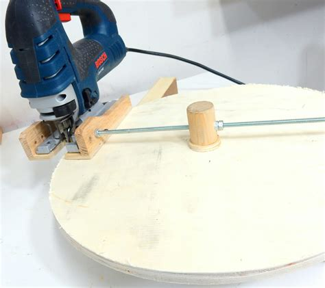 How To Cut A Perfect Circle In Wood With A Jigsaw