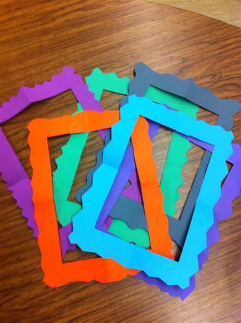 How To Cut A Picture Frame Out Of Construction Paper