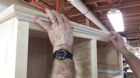 How To Cut Cove Molding Corners