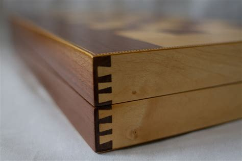 How To Cut Dovetail Joints For Boxes