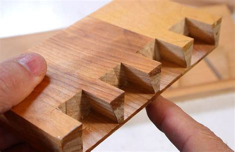 How To Cut Half Blind Dove Tails