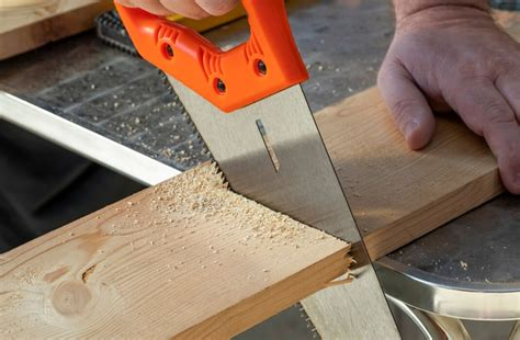 How To Cut Large Pieces Of Wood