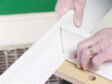 How To Cut Trim Molding Off Wall