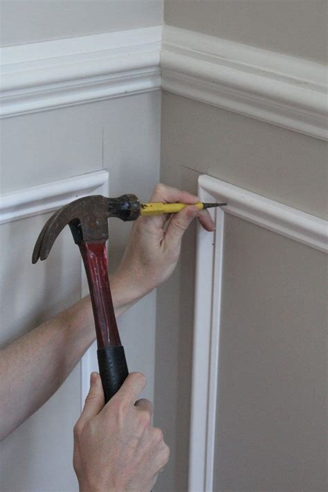 How To Do Molding On Wall