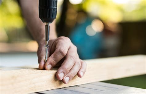 How To Drill A Screw Into A Stud
