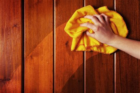 How To Dust Wood Surfaces