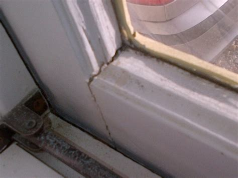 How To Fill Cracks In Wooden Window Frames