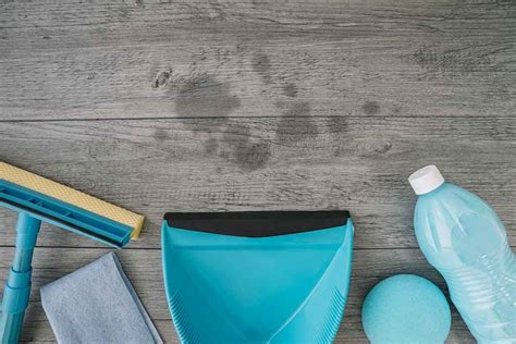 How To Get Oil Stain Out Of Wooden Desk
