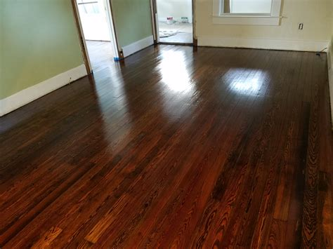 How To Gloss Wooden Floors