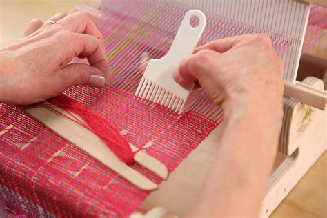 How To Hand Weave