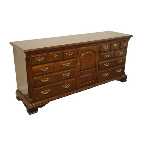 How To Identify Thomasville Furniture Collection