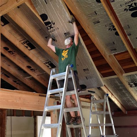 How To Insulate A Ceiling On A Log Home