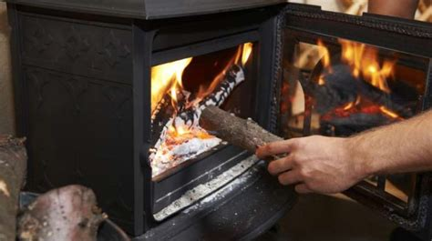 How To Keep Wood Burning In Fireplace