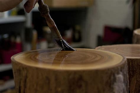 How To Lacquer Wood Stumps