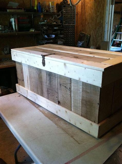 How To Make A Hope Chest From Pallets