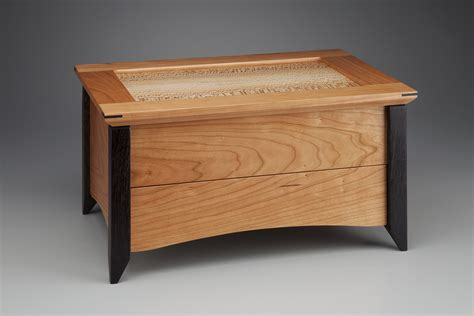 How To Make A Hope Chest Using Dove Tail Joints Instructions