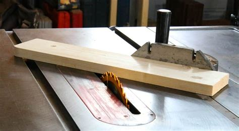 How To Make A Miter Gauge For Table Saw