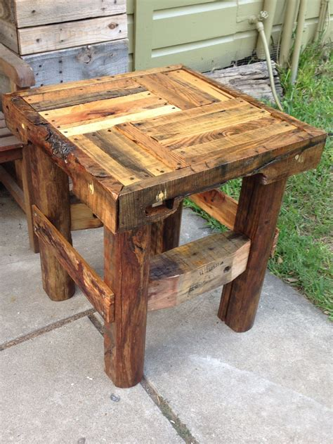 How To Make A Pallet Wood End Table
