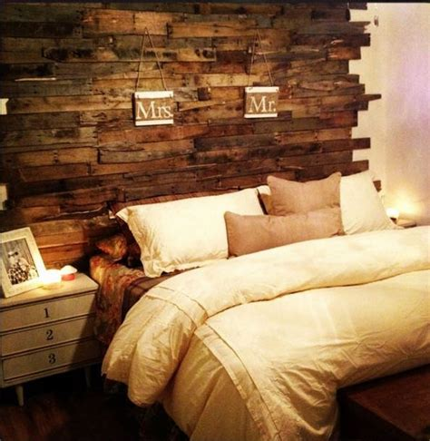 How To Make A Pallet Wood Headboard
