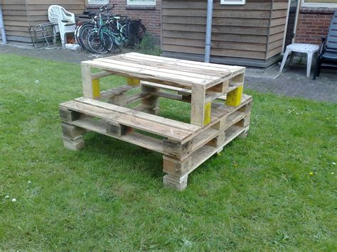 How To Make A Picnic Table From Pallets