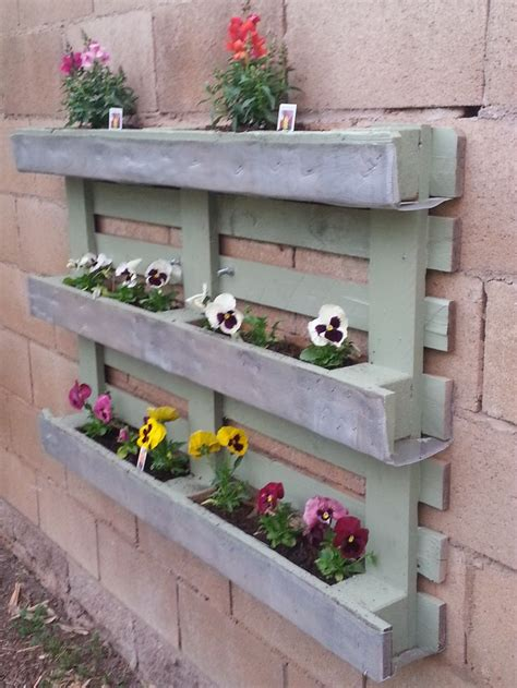 How To Make A Planter Box From Pallets