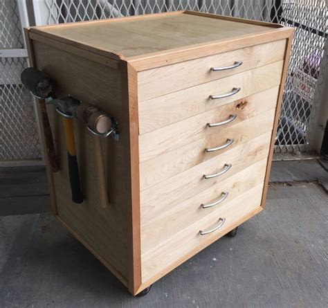 How To Make A Rolling Tool Cabinet