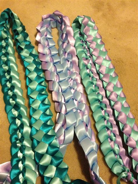 How To Make A Sash With Ribbon