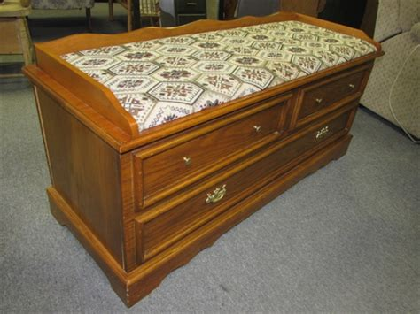 How To Make A Seat Cushion For A Cedar Chest