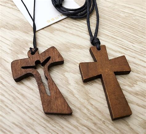 How To Make A Small Wooden Cross Necklace