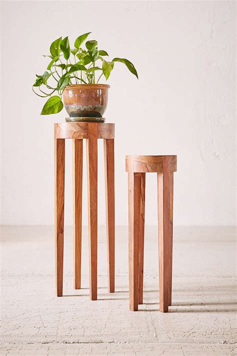 How To Make A Tall Wooden Plant Stand