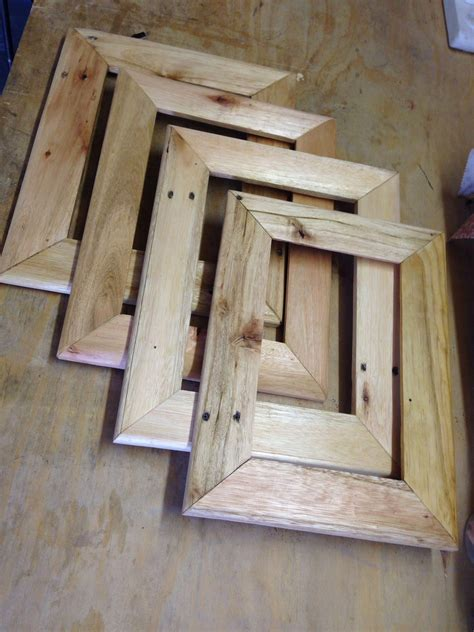 How To Make A Wood Picture Frame From Pallets