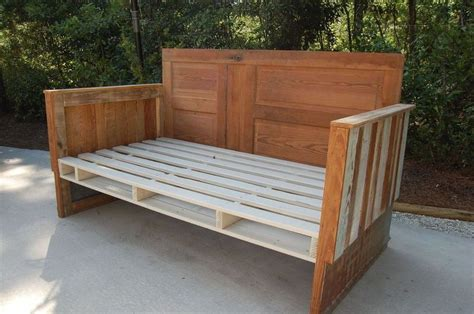 How To Make A Wooden Daybed With Mattress