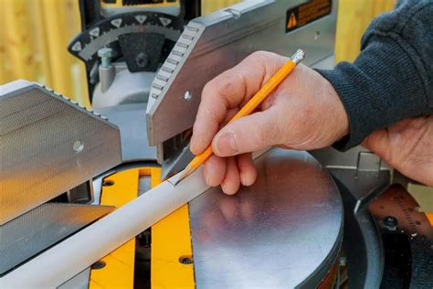 How To Make An Inside Corner Miter Cut