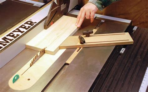 How To Make And Use A Featherboard