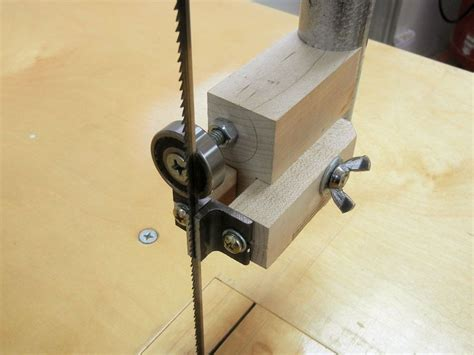 How To Make Bandsaw Blade Guides