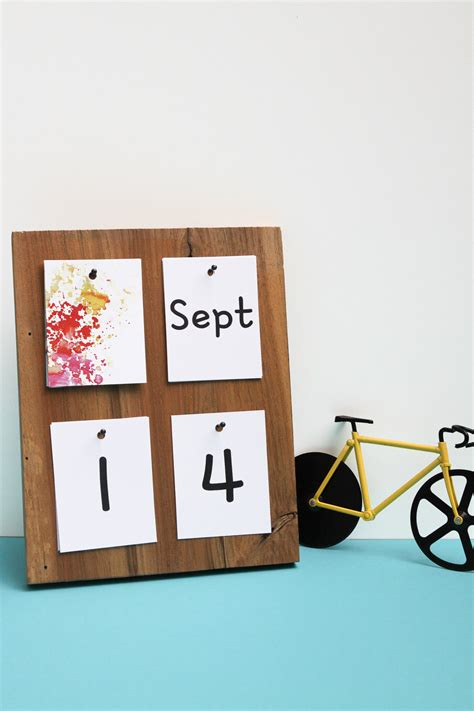 How To Make Diy Table Calendar