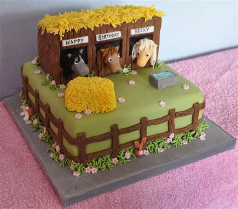 How To Make Horse Stable Cake