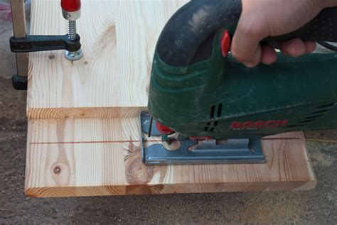 How To Make Straight Cuts With A Jigsaw