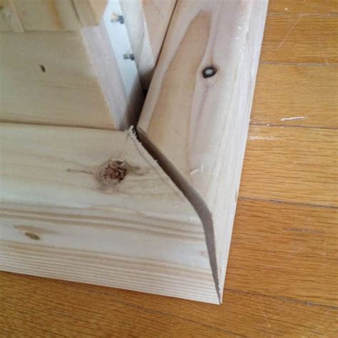 How To Miter Corners In Wood