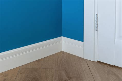 How To Miter Inside Baseboard Corner Molding