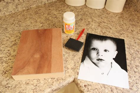 How To Mod Podge A Picture On A Piece Of Wood