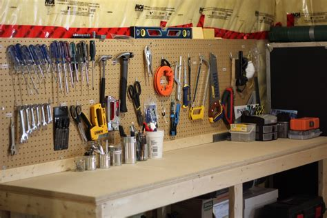 How To Organize Tools On Workbench