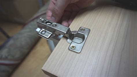 How To Put Hinges On A Cupboard Door