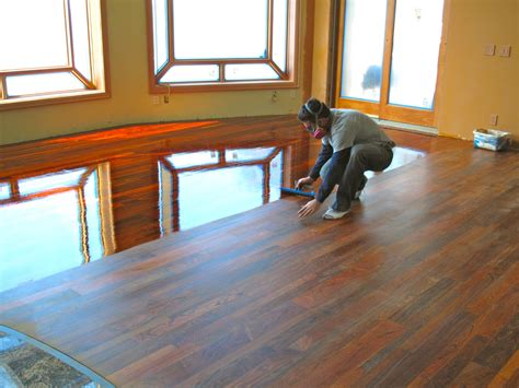 How To Put Varnish On Wood Floor