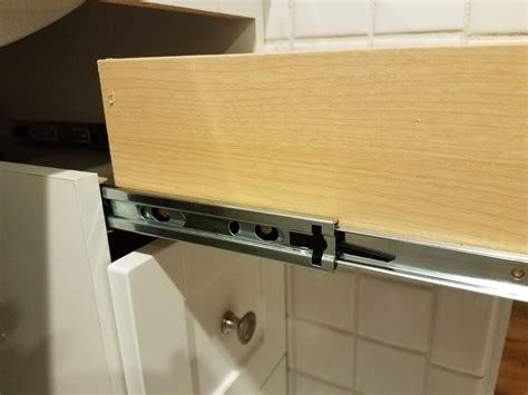 How To Remove Drawers With Metal Slides