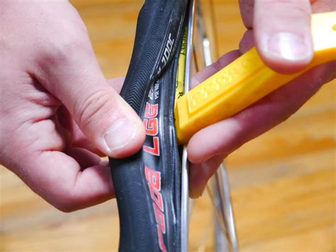 How To Remove Tire From Wheel Bike Levers