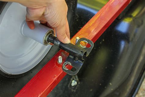 How To Remove Tire From Wheelbarrow Wheel