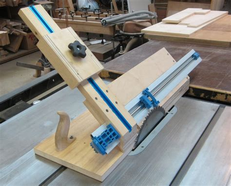 How To Rip Wood At A 45 Degree Angle